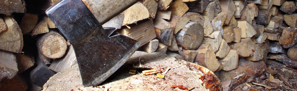 13 Best Axes For Chopping Wood in 2019 [Buying Guide]