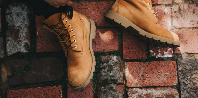 How To Break in New Boots With Ease