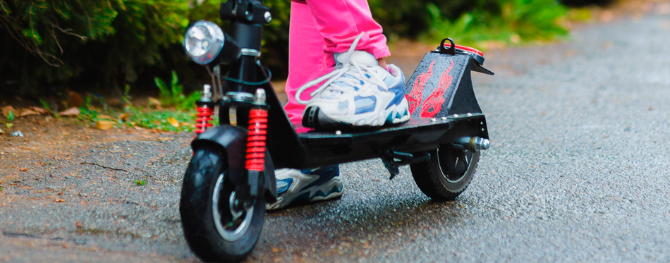 10 Best Electric Scooters For Kids In 2019 Buying Guide Gear Hungry