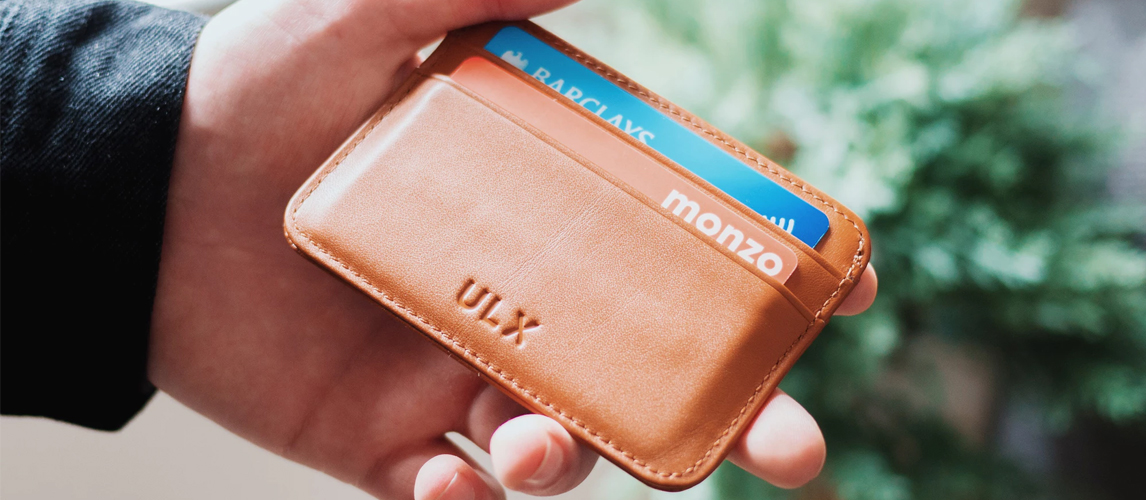 12 Best Business Card Holders in 2018 [Buying Guide] – Gear Hungry