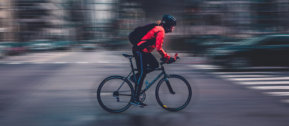 15 Gifts For Cyclists in 2020 [Buying