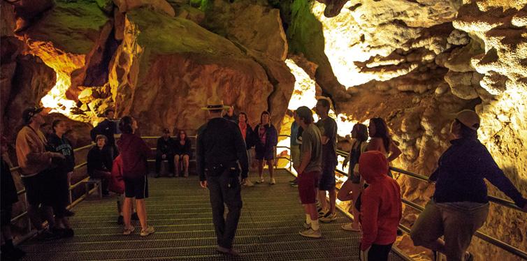 jewel cave in south dakota
