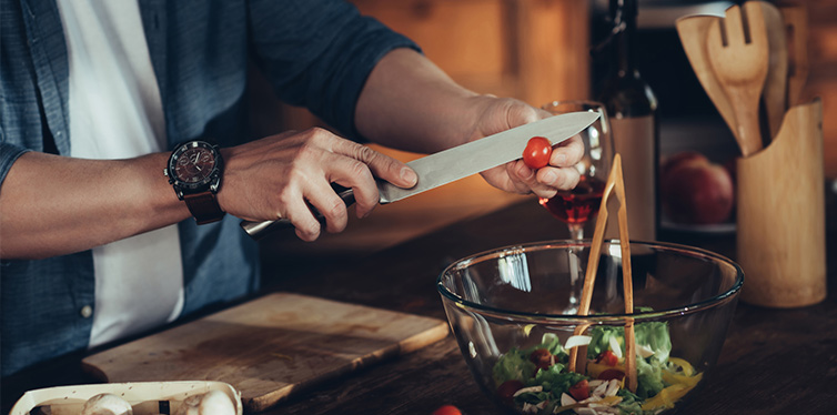 10 cooking tips every man should know