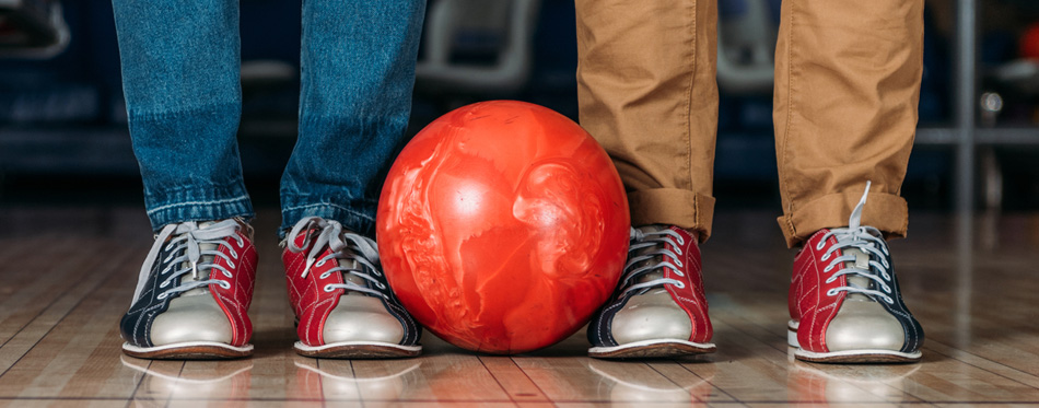 8d2c9e4d9a12 9 Best Bowling Shoes For Men In 2019  Buying Guide  – Gear Hungry