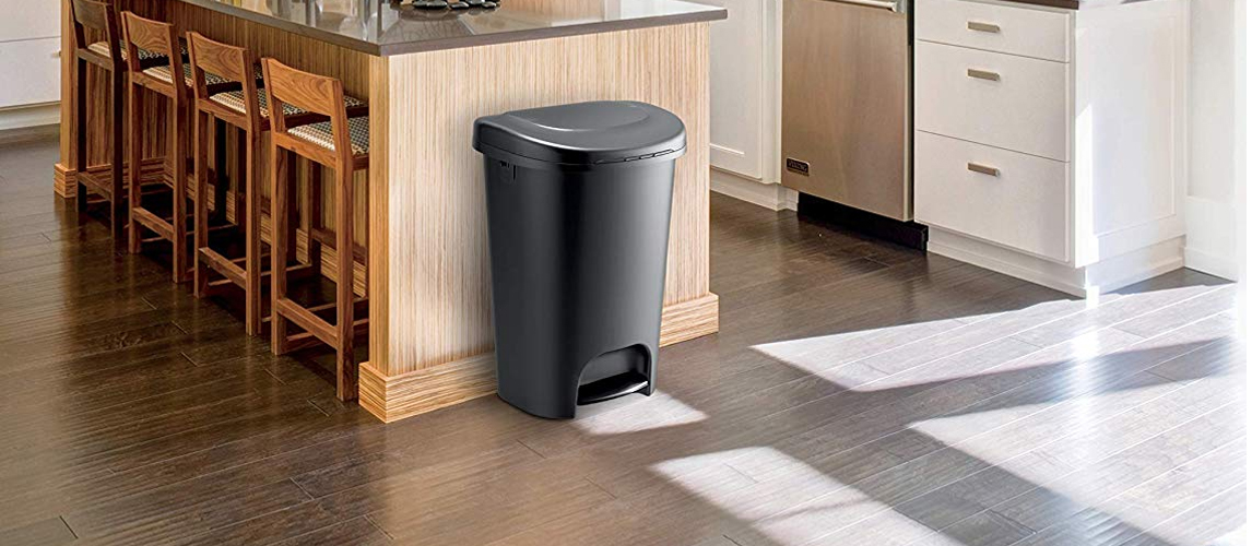 9 Best Kitchen Trash Cans In 2019 Buying Guide Gear Hungry