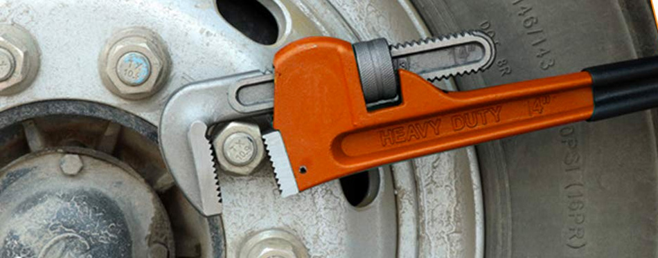 an adjustable pipe wrench