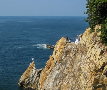 10 best cliff diving destinations in the world