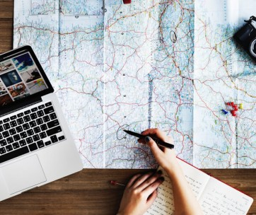 10 helpful tips for researching a holiday online