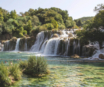 10 incredible waterfalls to visit in the world
