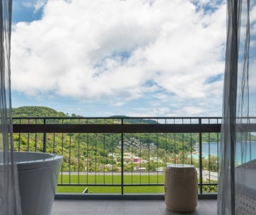 10 of the most stunnining hotel room views in the world