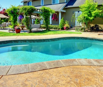 12 benefits of owning a swimming pool at home