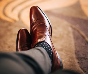 5 tips to shine your shoes like a boss