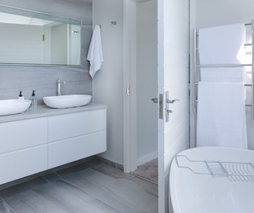 8 tips for a smooth bathroom remodel
