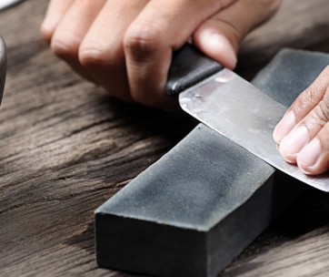 8 tricks to give a razor sharp edge to your cutting tools