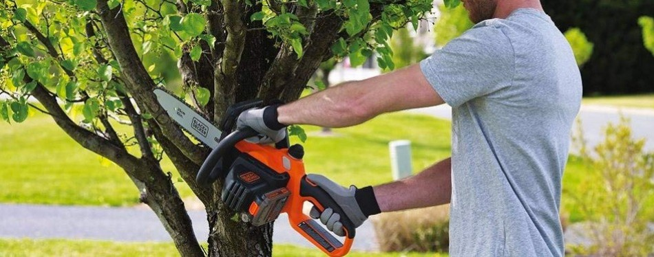 black+decker 20v chainsaw