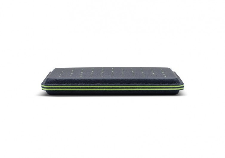 Discommon Thermoformed Card Wallet