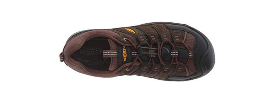 421abe15df892 9 Best Walking Shoes for Men in 2019  Buying Guide  – Gear Hungry