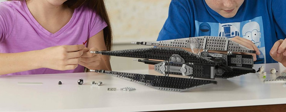 LEGO Star Wars Episode VIII Kylo Ren's Tie Fighter