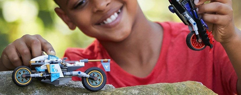 Lego Ninjago Street Race of Snake Jaguar Building Kit