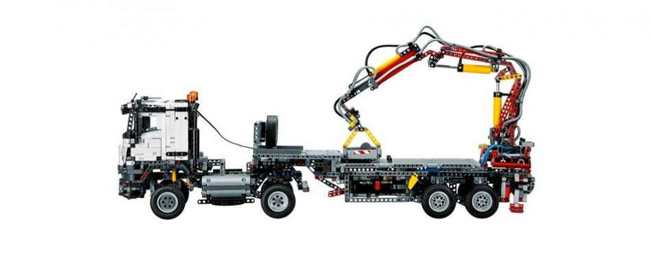 Mercedes-Benz Arocs Lego Technic Set