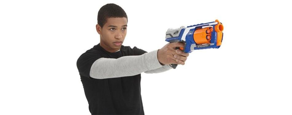N-Strike Elite Strongarm Blaster Nerf Gun