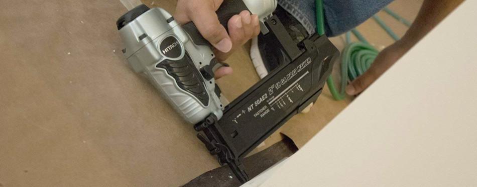 Nail Gun - Hitachi NT50AE2 Brad Nailer