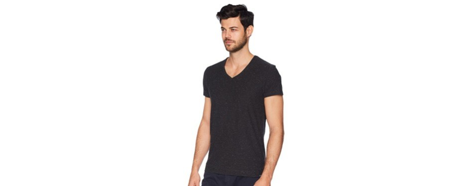 fbb3029ad2d816 12 Best V-Neck T-Shirts for Men in 2019 [Buying Guide] – Gear Hungry