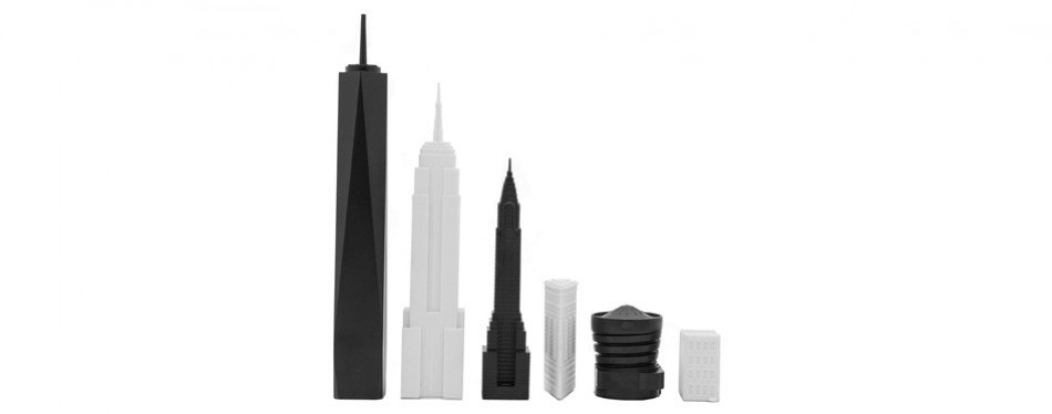skyline the new york chess set