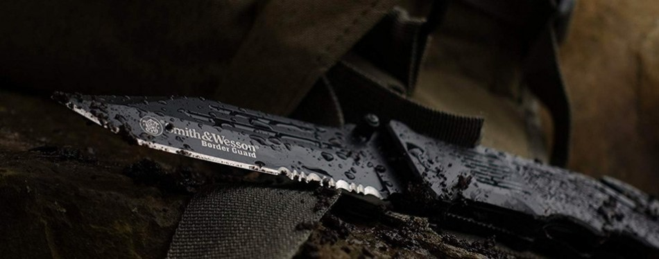 Smith & Wesson SWBG2TS Tactical Knife