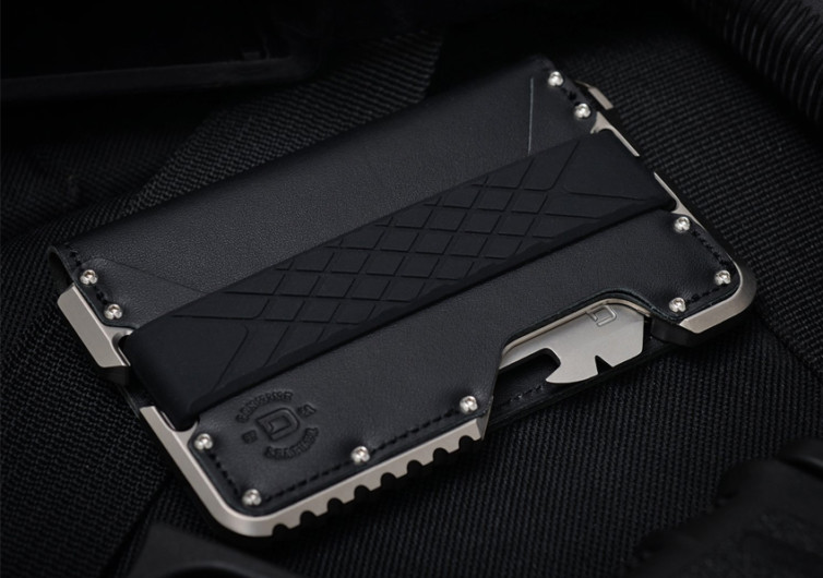 T02 3 POCKET BIFOLD TACTICAL WALLET