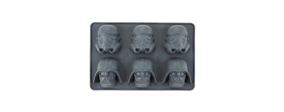 Underground Toys Star Wars Stormtrooper and Darth Vader Ice Tray