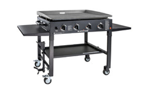 blackstone 1554 station-4-burner-propane fueled gas grill