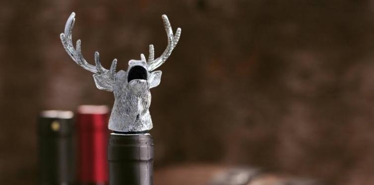 d & m stag animal wine pourer aerator