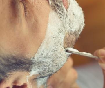 essential guide to shaving sensitive skin