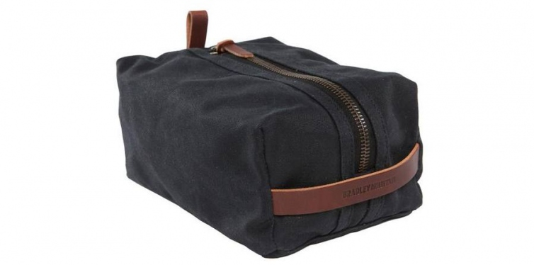 gallantry presents: bradley mountain dopp kit