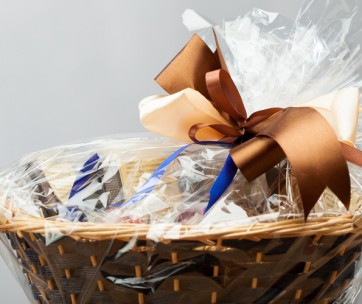 https://depositphotos.com/35864493/stock-photo-christmas-gift-basket.html