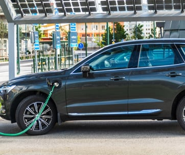 how electric car charging stations work