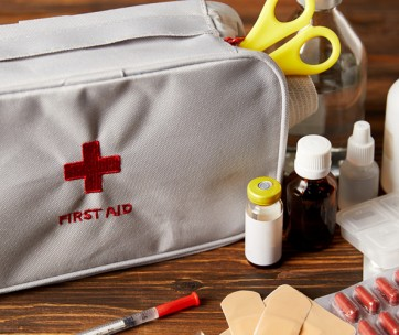 how to build the best first-aid kit