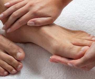 how to look after men's feet