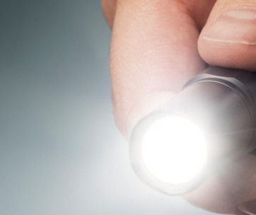 how-to-maintain-your-flashlight-for-any-situation