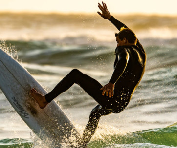 how to survive a surfing wipeout