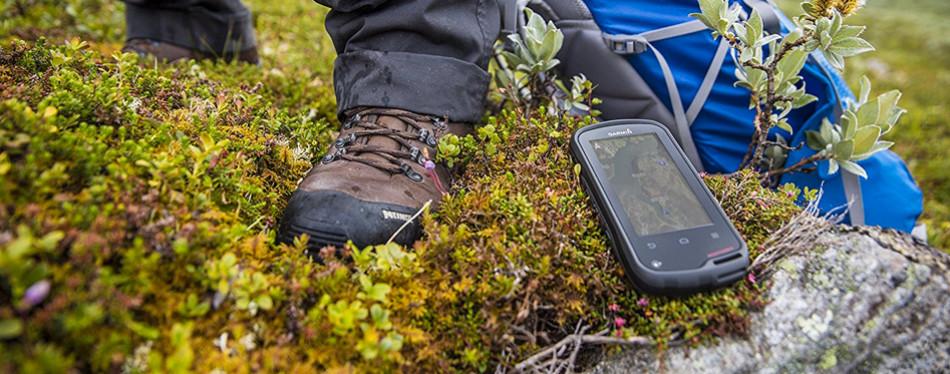 hunting gps from garmin oregon 600 3-inch worldwide