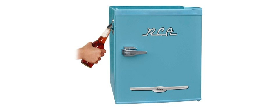 igloo rca retro blue bar mini fridge