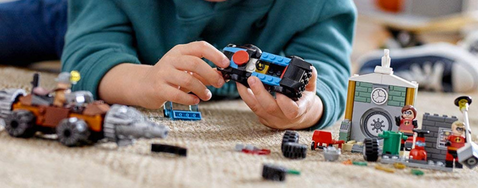 lego juniors the incredibles 2 underminer bank heist building kit