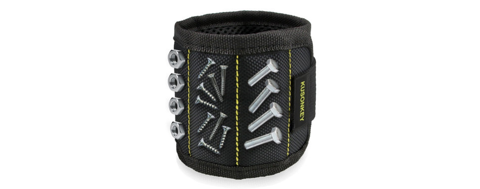 magnetic kusonkey wristband