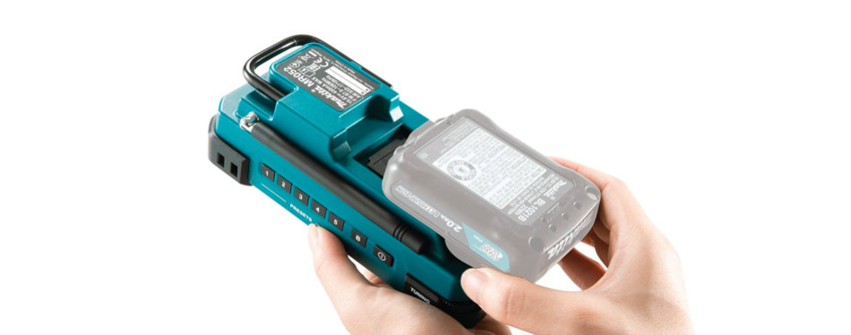 makita rm02 12 max cxt cordless compact job site radio