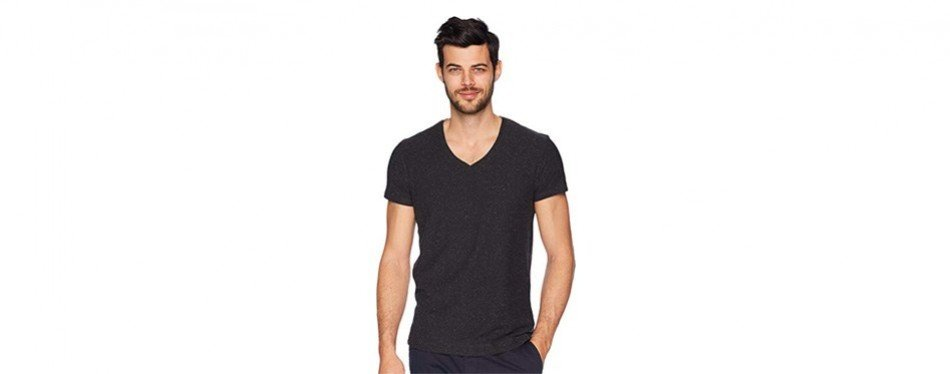 d310c470 12 Best V-Neck T-Shirts for Men in 2019 [Buying Guide] – Gear Hungry
