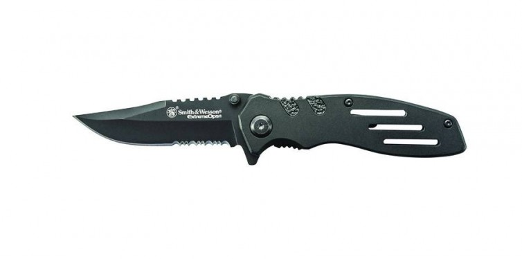 Smith & Wesson 7.1 in Stainless Steel Folding Knife