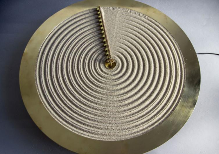 studio ayaskan sand clock