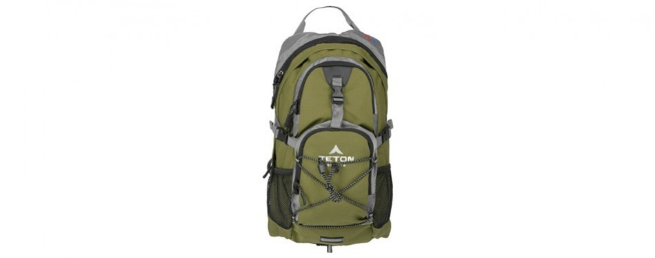 teton sports oasis 2 liter hydration day pack